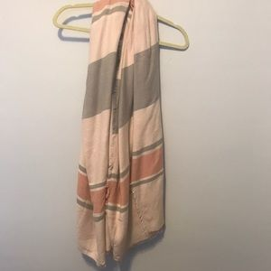 Ann Taylor Blanket Scarf 🧣